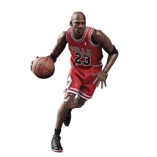 شکستن حلقه بسکتبال توسط مایکل جردن