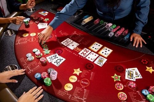 آیا کارت های بازی پوکر باید از جنس خاصی باشند ؟